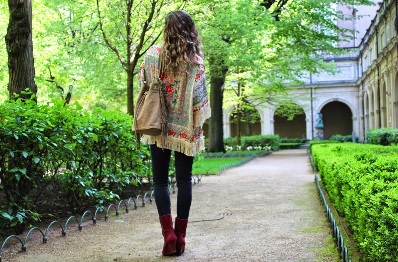 a5ca849829444 Kimono   SheInside – Top   SheInside – Jeans   New Look – Boots   Isabel  Marant – Sac   Balsamik