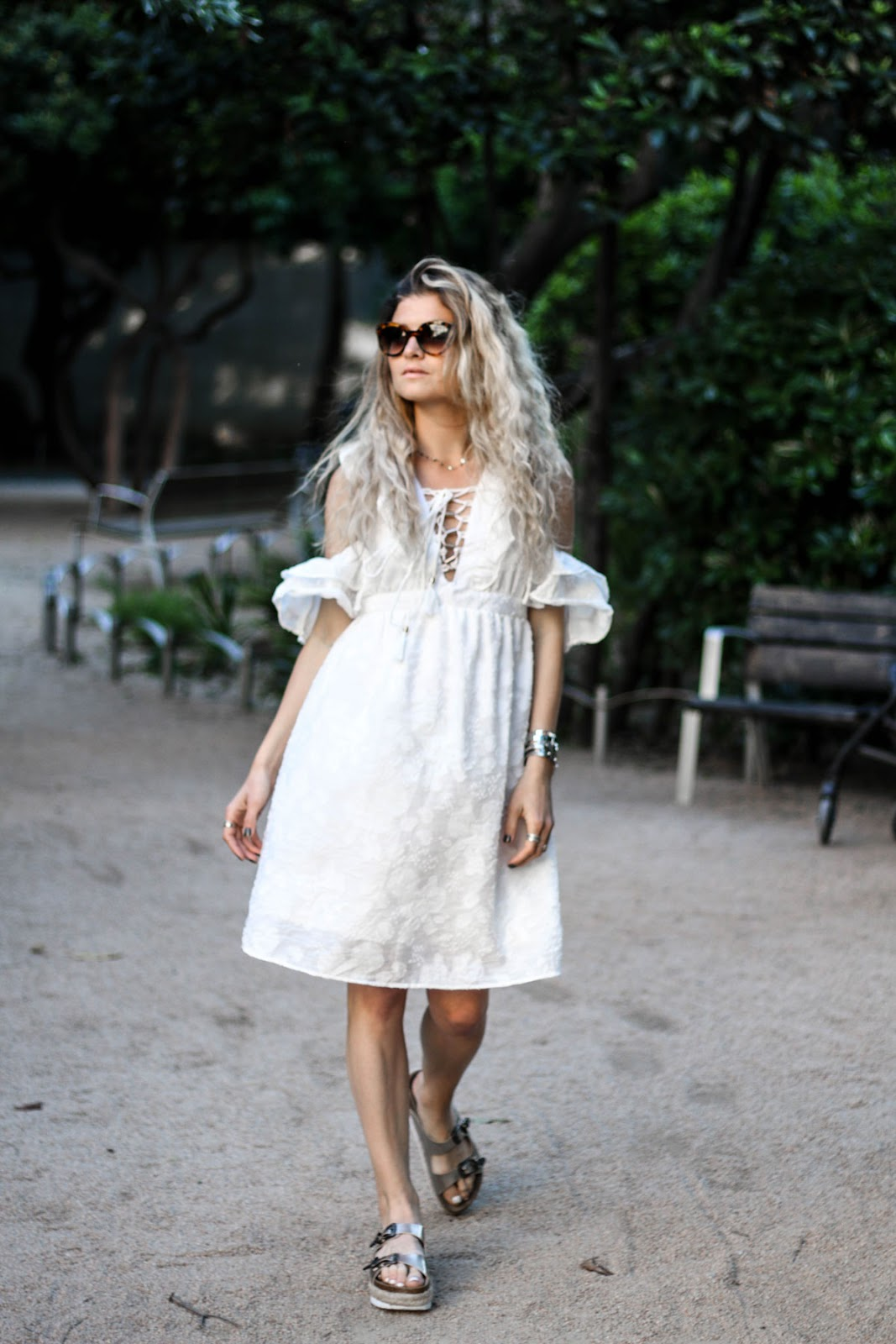 Mood Lifestyle Volants À And Et Blanche Marie Robe Blog Mode qgzxWXvppw