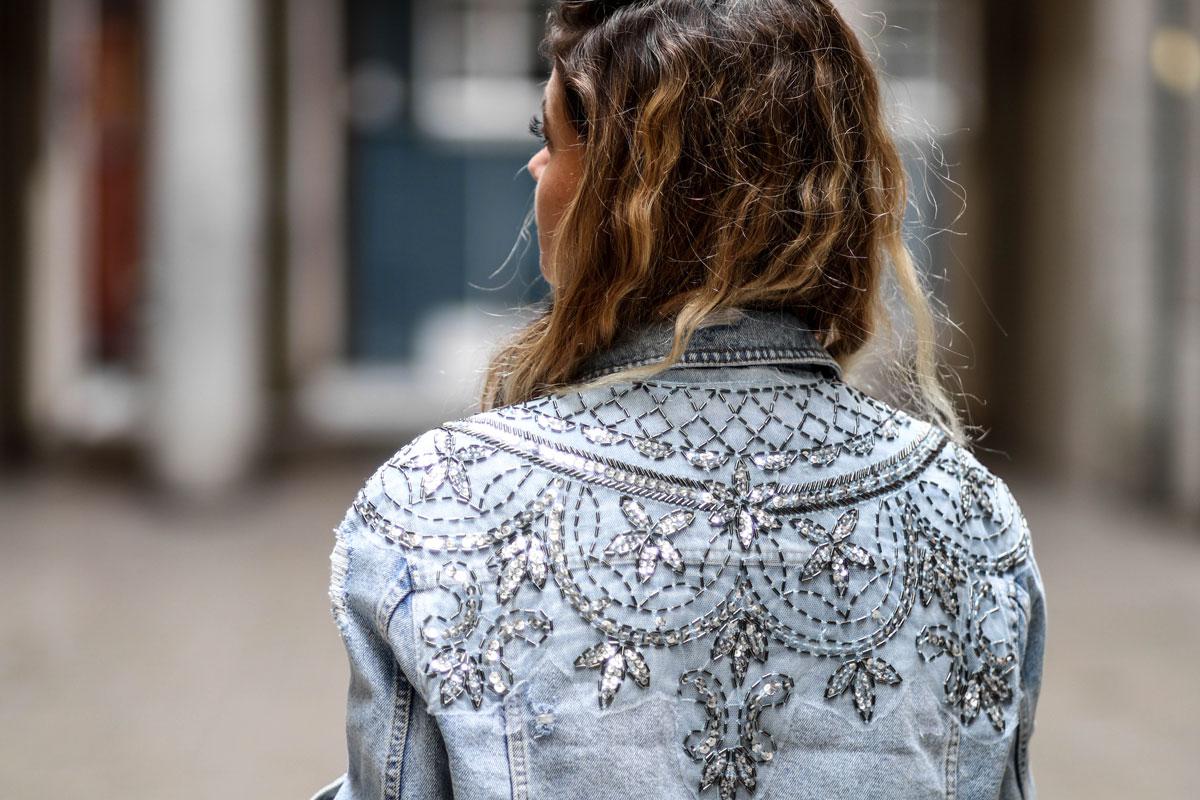 veste en jeans brodées de sequins newlook