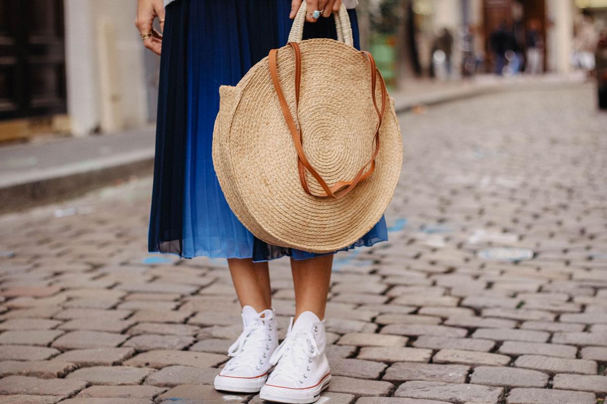 jupe plissée et converse blgo mode marie and mood
