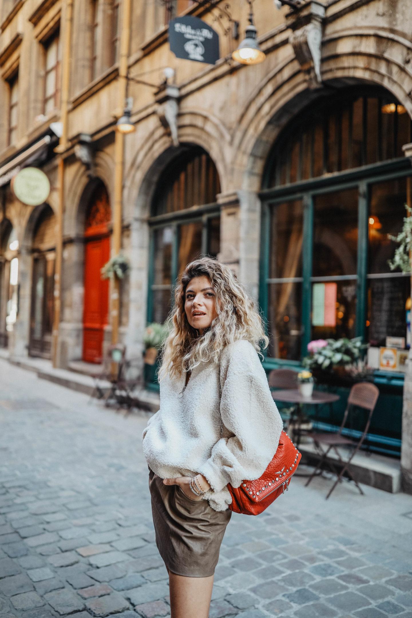 Cheveux ondulés marie and mood blog mode et lifestyle