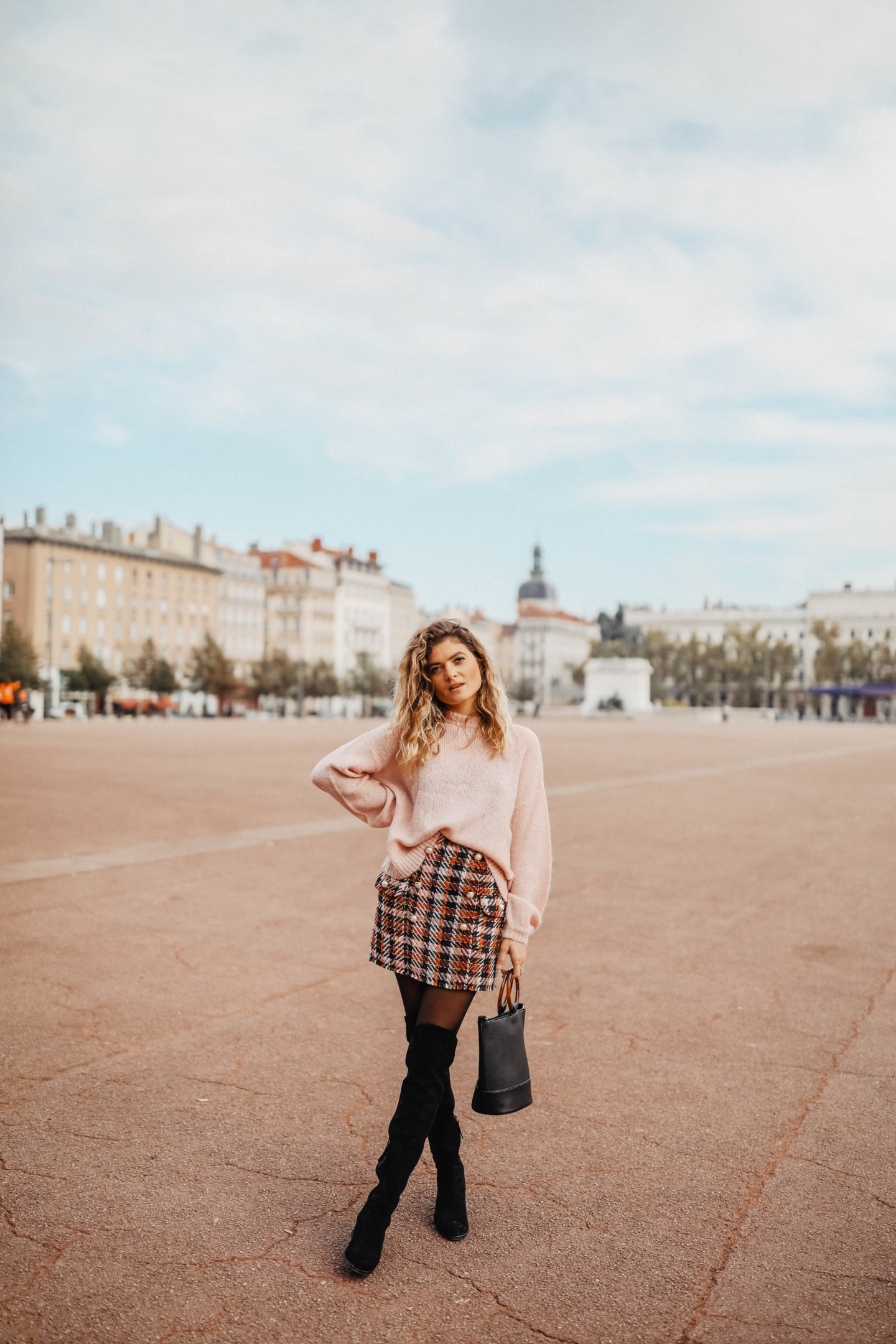 Digital influencer marie and mood mode and lifestyle