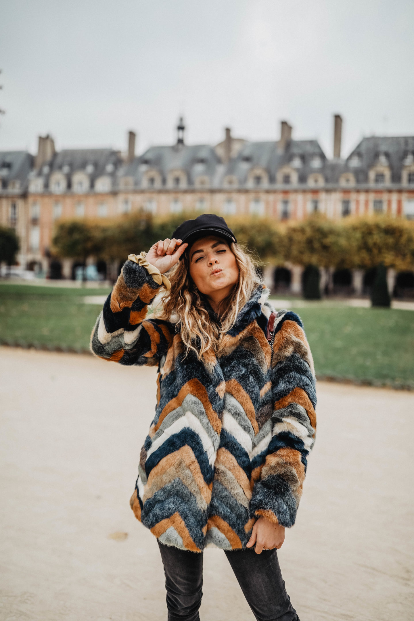 Manteau fausse fourrure H&M marie and mood  blog mode lifestyle