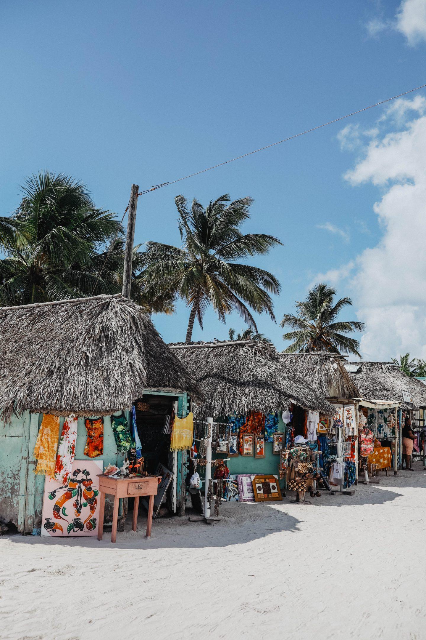 Marché locale île de Saona marie and mood blog lifestyle
