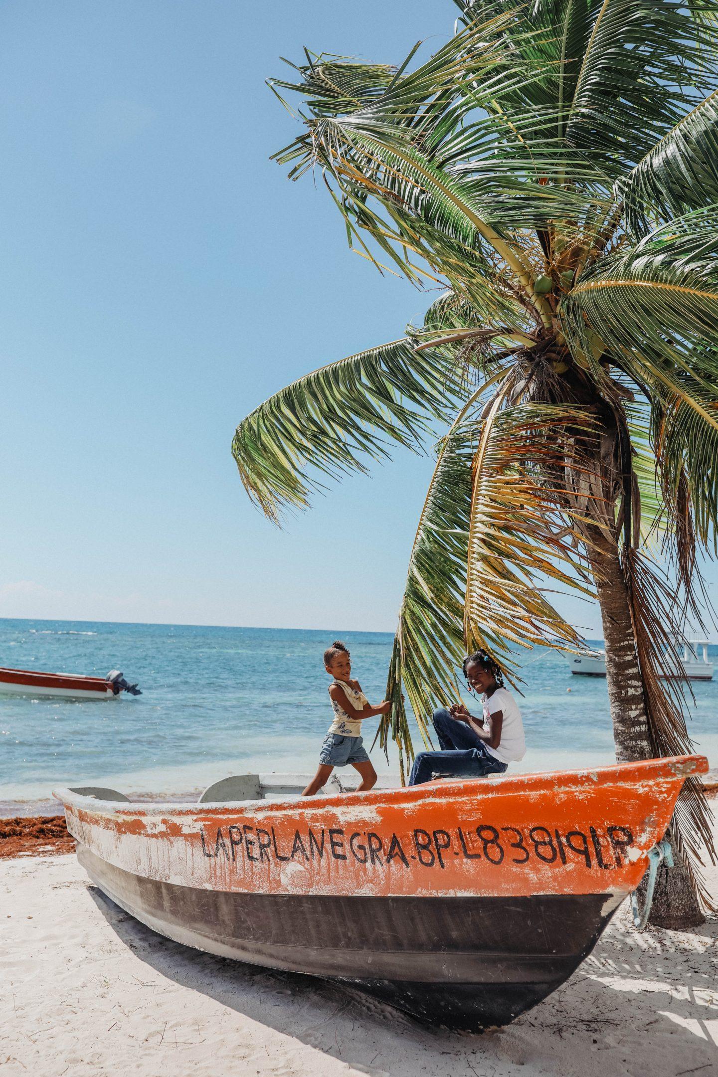 Plage de pêcheurs île de Saona blog lifestyle marie and mood