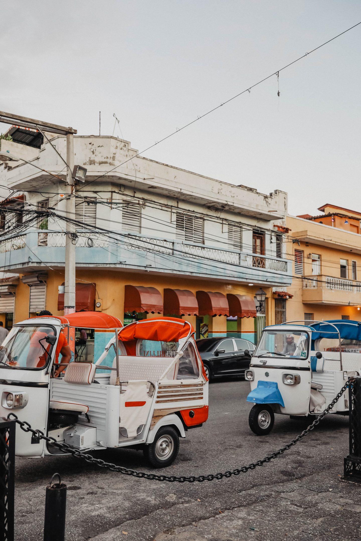 Sortie tuk tuk quartier colonial Saint Domingue